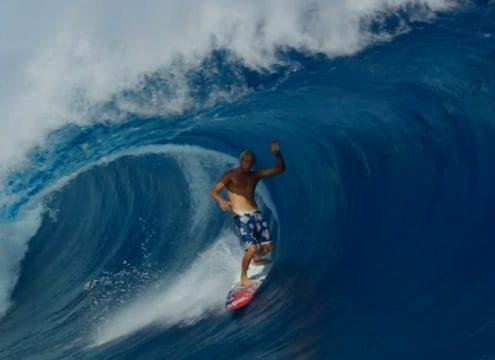 Outerspace film de surf avec Dane Gudauskas